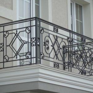 Кованые балконы Кованый балкон чёрного цвета Арт. Б-004 Norkovka