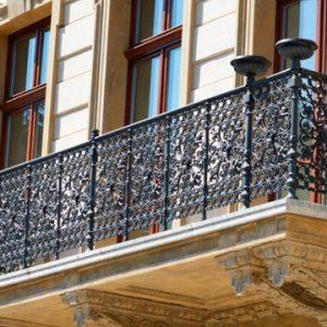 Кованые балконы Индивидуальный кованый балкон Арт. Б-009 Norkovka