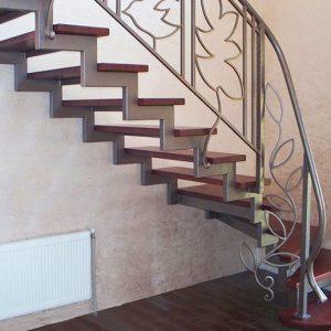 Кованые лестницы Кованая лестница из светлого металла Симона Арт. Л-006 Norkovka