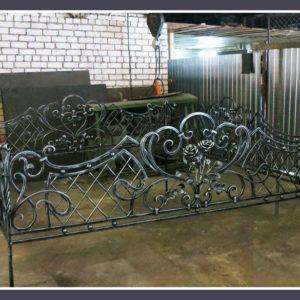 Кованые оградки Ритуальная кованая ограда на могилку Арт 2 Norkovka