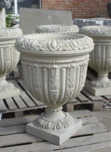 вазон в стиле барокко для участка